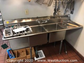 Stainless Steel 2-Compartment Sink with Drainboard