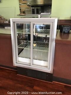 Spartan Showcase LV9704831R Mini Refrigerated Display Case