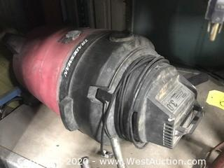 Dayton 3 HP Shop Vacuum