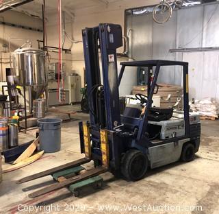 Komatsu 30 4460LB Capacity, LP, 3-stage Mast Forklift (not running)