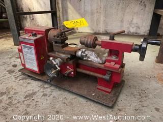 Central Machinery 33684 Mini Lathe
