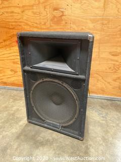 "15"" Yamaha Speaker System"
