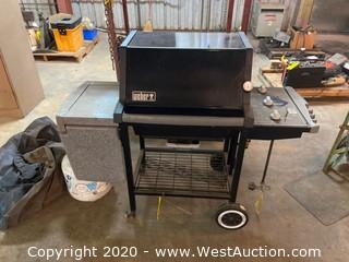 Weber Grill with Propane Tank