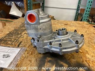 Cross Gear Pump and Motor 5Z5907