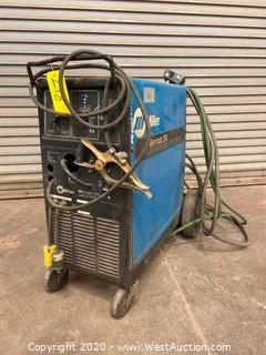 Millermatic 252 Mig Welder CV ᛫ DC Welding Power Source/Wire feeder