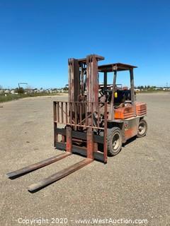 Toyota Forklift 7,700 lb