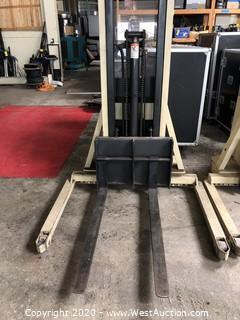Crown 20MT 2000 lb Walkie Stacker