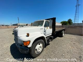 1998 Ford F-800 Flatbed Truck (NO KEY)