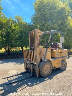 Caterpillar V50C 5000lb Forklift