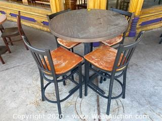 Outdoor Table with (4) Chairs
