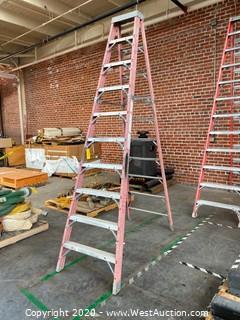 10' Louisville Fiberglass Folding Step Ladder