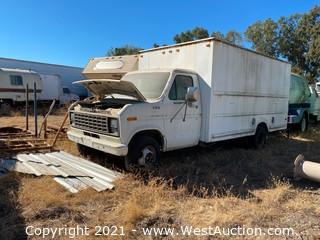 1982 Ford Box Truck (registered Junk)