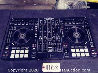 Denon MC7000 Serato DJ Controller in Hard Road Case