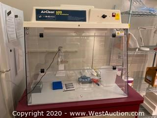 AirClean 600 PCR Workstation