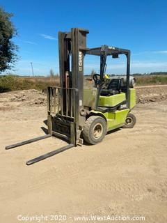Clark CGP25 3600lb Propane Forklift