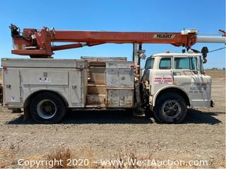 1990 Ford 8000 Diesel Line Truck with Telelect Crane