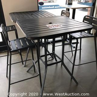 Aluminum Patio Furniture (2 Tables 4 Chairs)