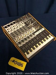 Tapco MIX220FX Mixer