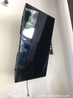 "42"" Samsung TV and Adjustable Wall Mount"