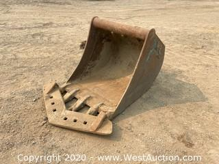 "Wain Roy XLS 24"" Bucket For CAT 305 With V-Ditch Attachment"