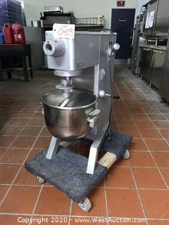 Univex M20 20 Qt. Counter Top Planetary Mixer