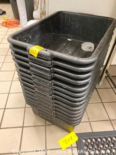 "(14) Dish Bins 20"" x 15"""