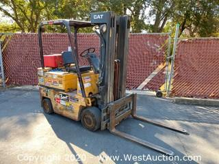Caterpillar 3600lb G/LP Forklift