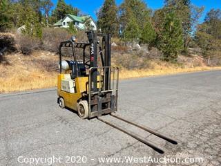 3,000 lb Yale Forklift