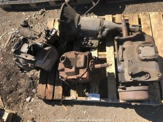 Pallet of Transfer Case; Chevy, Ford, And GM Transmissions