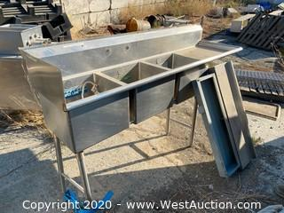 Stainless Steel 3 Basin Sink with Drainboard