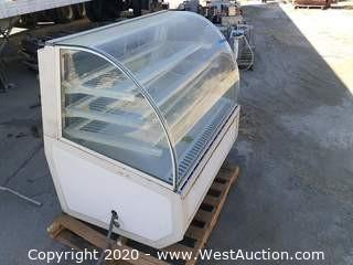 Federal Refrigerated Curved Front Bakery Display Case