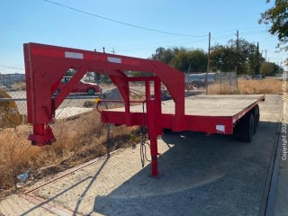 20'  Custom Gooseneck Flatbed Trailer