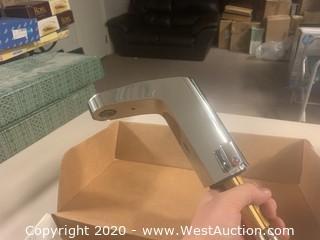 Moen 8552 Chrome Commercial Electronic Lavatory Faucet