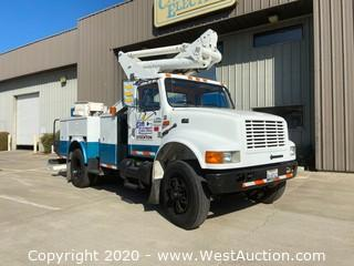 2001 International 4700 T444E Bucket Truck