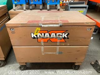 "Portable Knaack Box with Moving Blankets and Drop Cloths 30""x48""x41"""