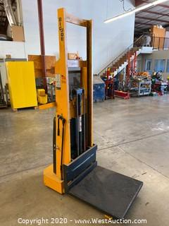 Big Joe Electric Platform Power Lift Truck