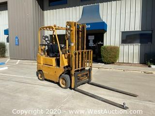 TCM FCG20N5 4000lb Forklift