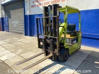 Clark TW30 Electric Forklift