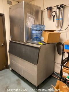 Hoshizaki Ice Machine With Bin and Filtration System
