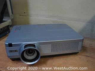 Eiki XB200 Projector