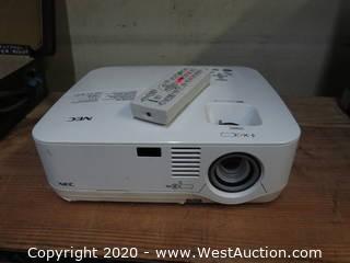 NEC NP510 Projector