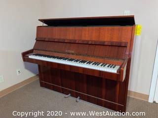 Etyde Upright Piano