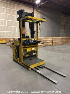 Yale OS030BB 3000lb Electric Lift Truck