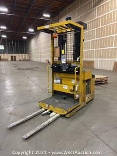 Yale OSO30 3000lb Electric Lift Truck