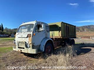 White 3000 Farm Truck With Dump Bed