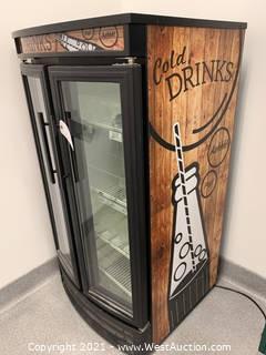 True GDM-14RF-LD Radius Front Glass Door Merchandiser 14 Cu Ft Grab n Go display fridge