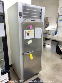 """Traulsen G10010 30"""" G Series Solid Door Reach-in Refrigerator with Right Hinged Door"""