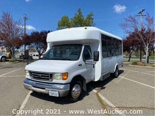 2003 Ford Eldorado Diesel Shuttle Bus with Wheelchair Lift