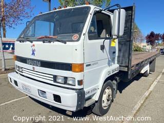 1990 Isuzu 22' Stakeside Flatbed Truck
