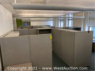 (1) Section Of Cubicles / 4 Workstations